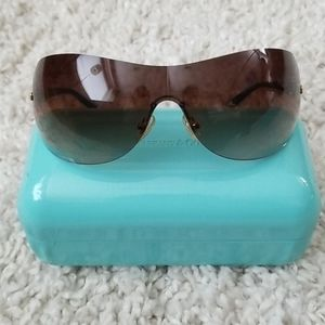 Tiffany & Co - Sunglasses
